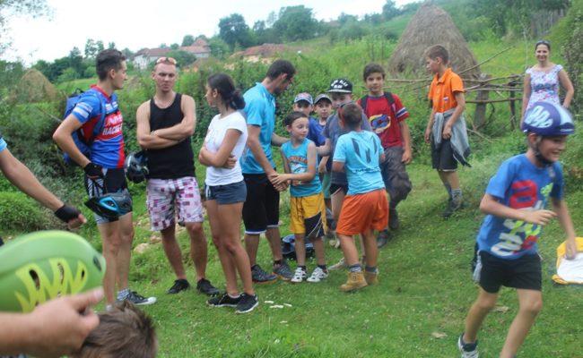 printre-dealuri-si-coline-colesti-2016-8
